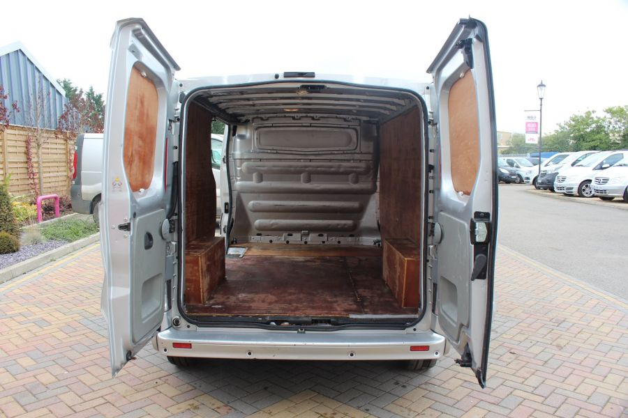 RENAULT TRAFIC LL29 DCI 115 SPORT SPECIAL EDITION LWB LOW ROOF - 6693 - 23