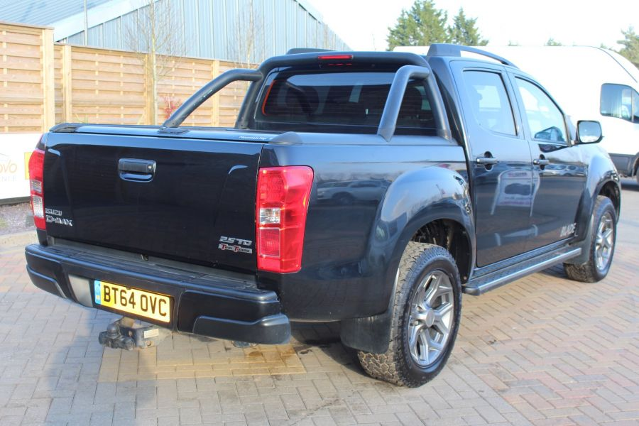 ISUZU D-MAX TD BLADE DOUBLE CAB 4X4 WITH ROLL AND LOCK TOP - 7242 - 5