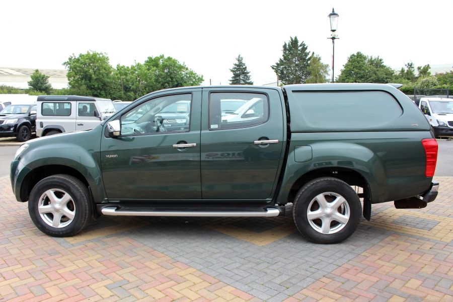 ISUZU D-MAX TD 163 YUKON VISION DOUBLE CAB WITH TRUCKMAN TOP - 9450 - 8