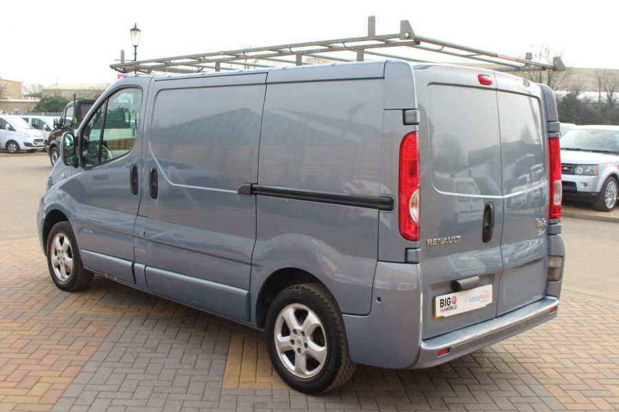 RENAULT TRAFIC SL27 DCI 115 SPORT SWB LOW ROOF - 7442 - 7