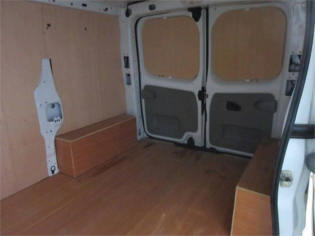 RENAULT TRAFIC SL27 DCI 115 ECO2 SWB LOW ROOF - 6914 - 13