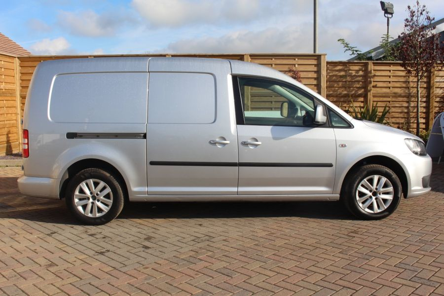 VOLKSWAGEN CADDY MAXI C20 TDI 102 HIGHLINE DSG - 6738 - 4