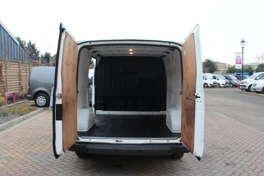 FORD TRANSIT 300 TDCI 100 SWB LOW ROOF FWD - 6939 - 19