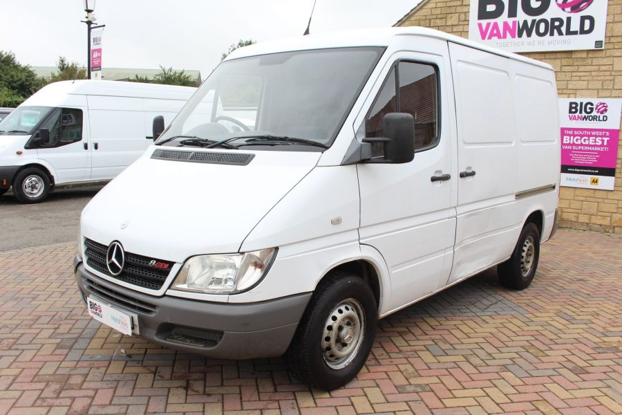 MERCEDES SPRINTER 208 CDI SWB LOW ROOF - 6631 - 8