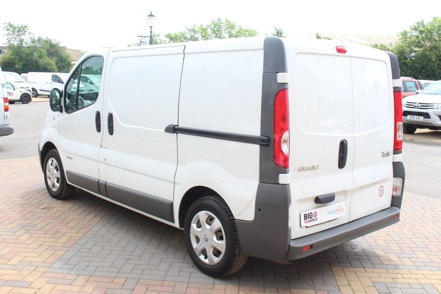 RENAULT TRAFIC SL27 DCI 115 SWB LOW ROOF - 6284 - 7