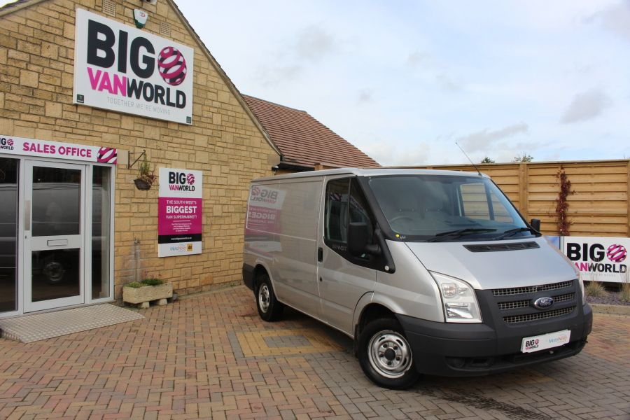FORD TRANSIT 300 TDCI 100 SWB LOW ROOF FWD - 6733 - 1