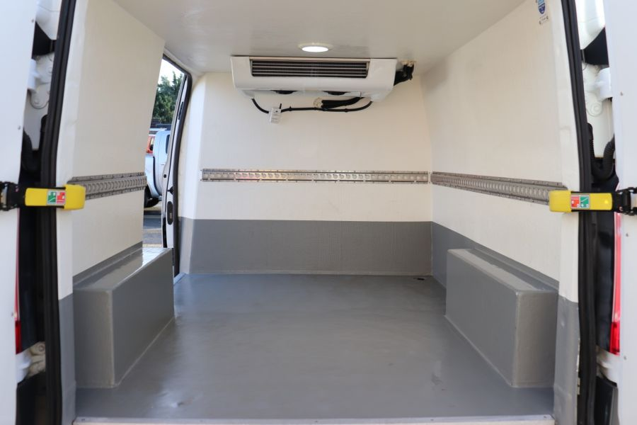 FORD TRANSIT CUSTOM 270 TDCI 105 L1H1 SWB LOW ROOF FRIDGE VAN WITH OVERNIGHT FWD - 11587 - 38