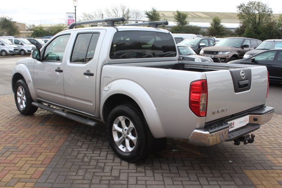 NISSAN NAVARA DCI 190 TEKNA CONNECT 4X4 DOUBLE CAB - 6839 - 7