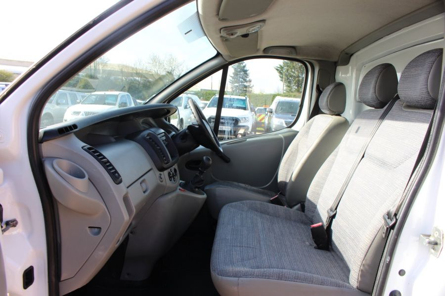 RENAULT TRAFIC LL29 DCI 115 LWB LOW ROOF - 7644 - 14