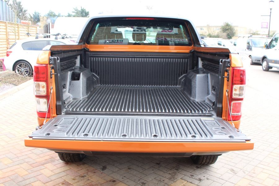 FORD RANGER WILDTRAK 4X4 TDCI 197 DOUBLE CAB - 7360 - 25