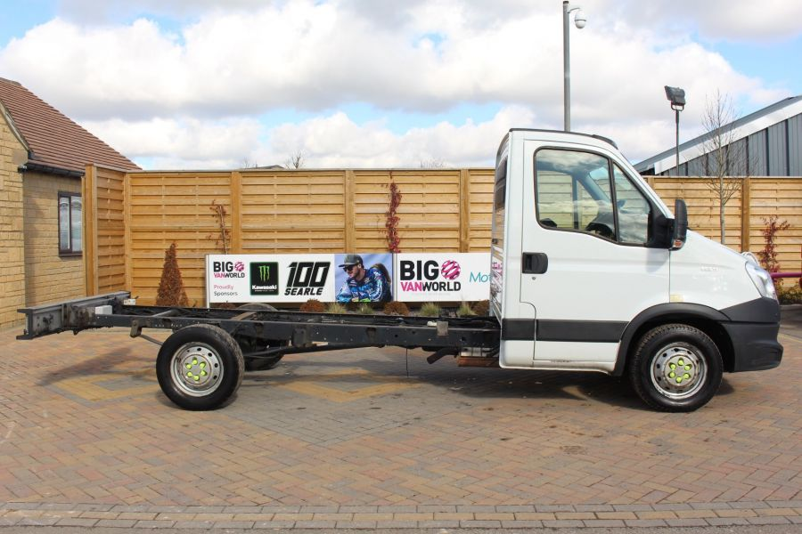 IVECO DAILY 35S11 3750 WB CHASSIS CAB - 7296 - 4