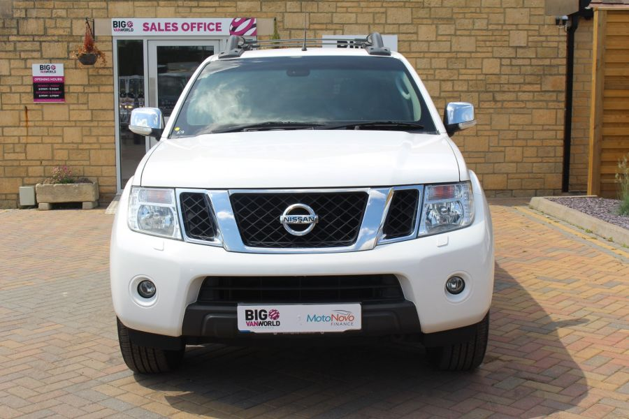NISSAN NAVARA DCI 190 TEKNA CONNECT 4X4 DOUBLE CAB WITH SPORT TRUCKMAN TOP - 6295 - 9
