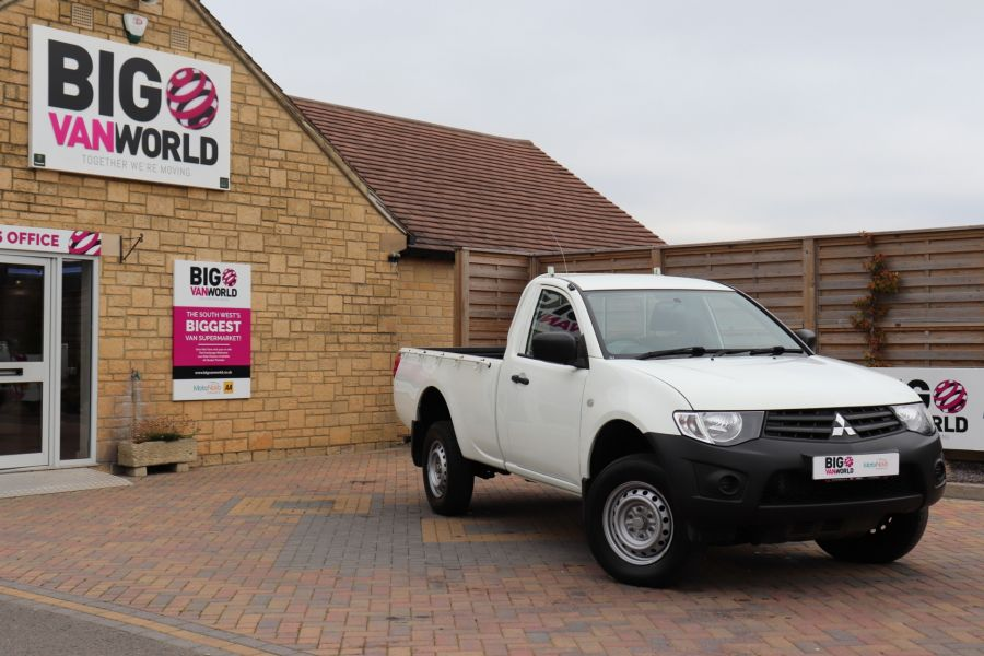 MITSUBISHI L200 DI-D 134 4X4 4LIFE SINGLE CAB - 9556 - 1