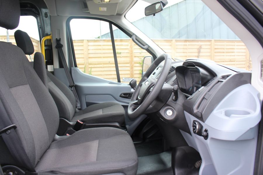 FORD TRANSIT 460 TDCI 155 L4 H3 17 SEAT BUS HIGH ROOF DRW RWD - 8132 - 11