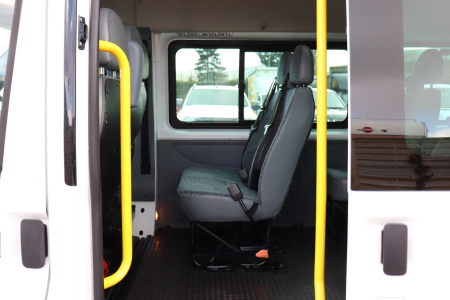 FORD TRANSIT 430 TDCI 135 EL LWB 17 SEAT BUS HIGH ROOF WITH WHEELCHAIR ACCESS RAMP DRW RWD - 10401 - 32