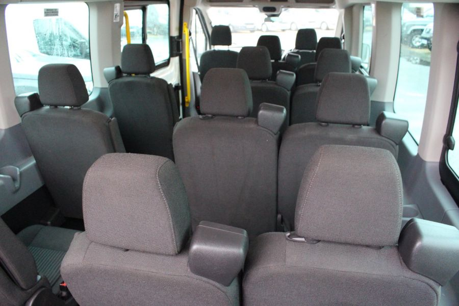 FORD TRANSIT 460 TDCI 125 L4 H3 TREND 17 SEAT BUS HIGH ROOF DRW RWD - 8462 - 28