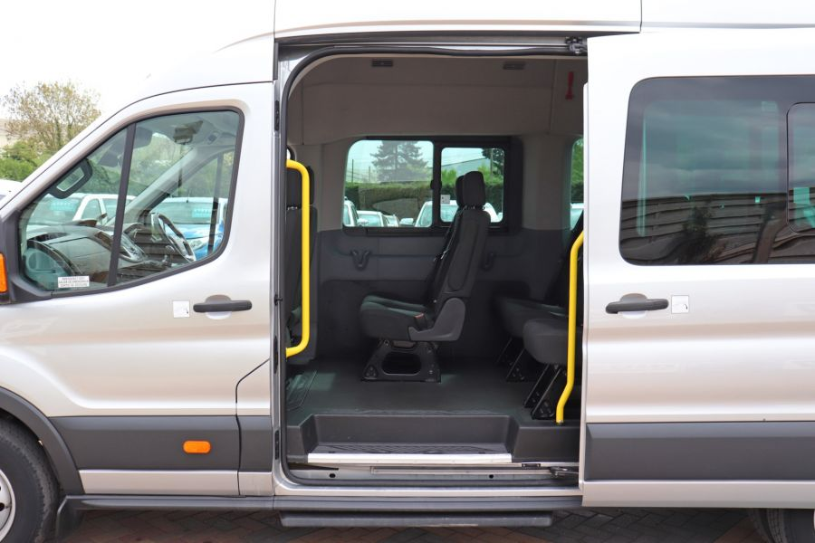 FORD TRANSIT 460 TDCI 155 L4H3 17 SEAT BUS HIGH ROOF DRW RWD - 11322 - 31