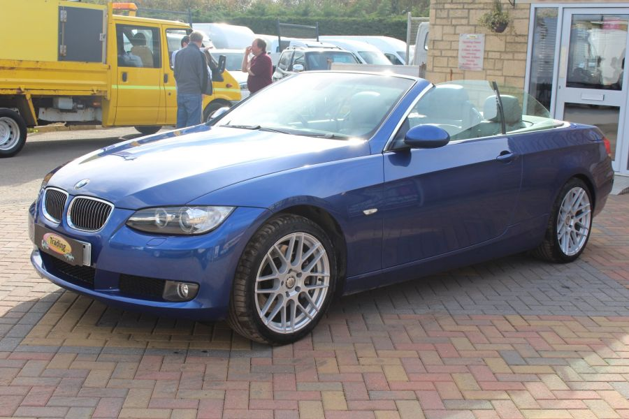 BMW 3 SERIES 330D SE AUTO CONVERTIBLE - 6042 - 15