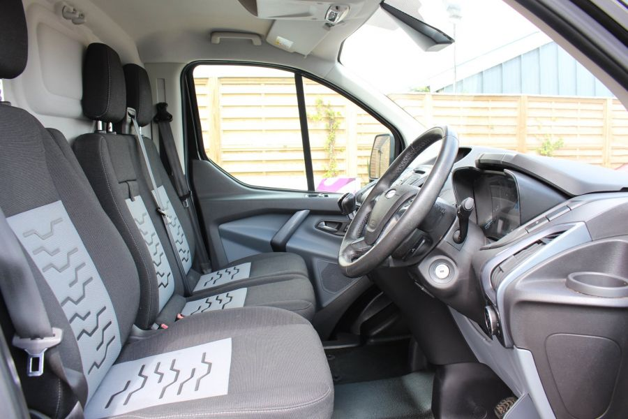 FORD TRANSIT CUSTOM 290 TDCI 125 L1 H1 LIMITED SWB LOW ROOF - 8045 - 9