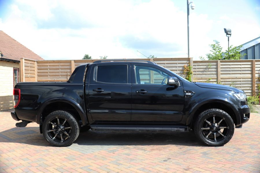 FORD RANGER WILDTRAK TDCI 200 4X4 DOUBLE CAB WITH ROLL'N'LOCK TOP - 9851 - 4