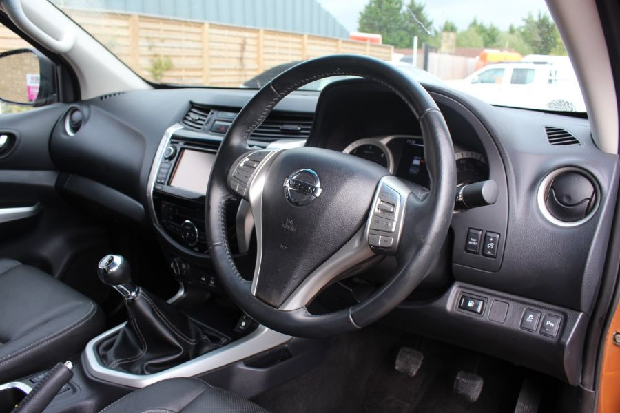 NISSAN NP300 NAVARA DCI 190 TEKNA 4X4 DOUBLE CAB WITH ROLL'N'LOCK TOP - 8313 - 12