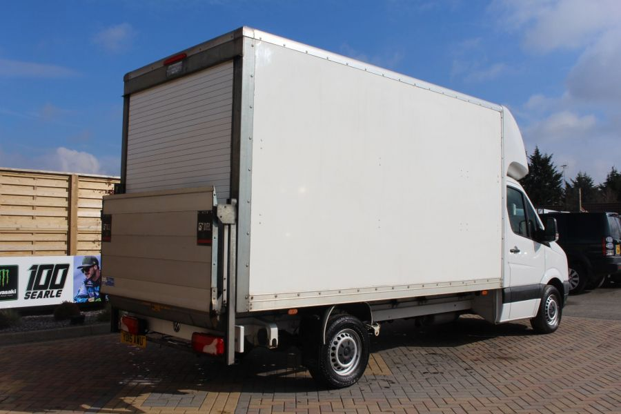 VOLKSWAGEN CRAFTER CR35 TDI 109LUTON WITH TAIL LIFT - 7362 - 4
