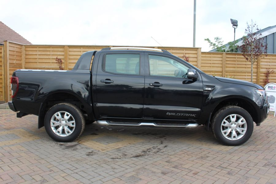 FORD RANGER WILDTRAK TDCI 200 4X4 DOUBLE CAB WITH ROLL'N'LOCK TOP - 6801 - 4