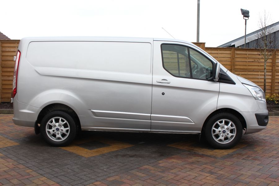 FORD TRANSIT CUSTOM 270 TDCI 125 L1 H1 LIMITED SWB LOW ROOF FWD - 7142 - 4