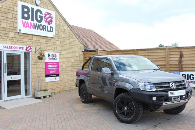 Used VOLKSWAGEN AMAROK in Used Vans Swindon for sale