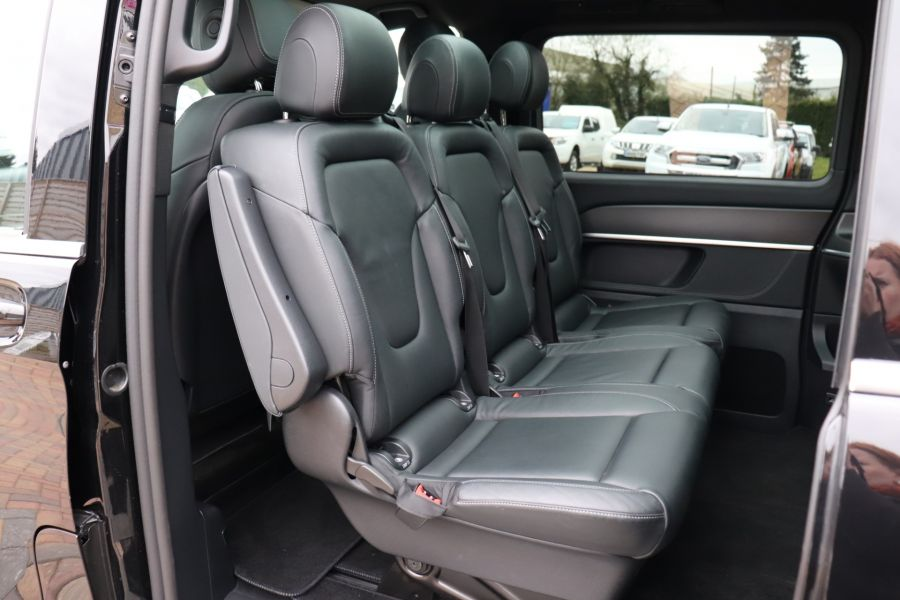 MERCEDES V-CLASS V 220 D AMG LINE LONG 8 SEATS 7G--TRONIC PLUS - 10543 - 46