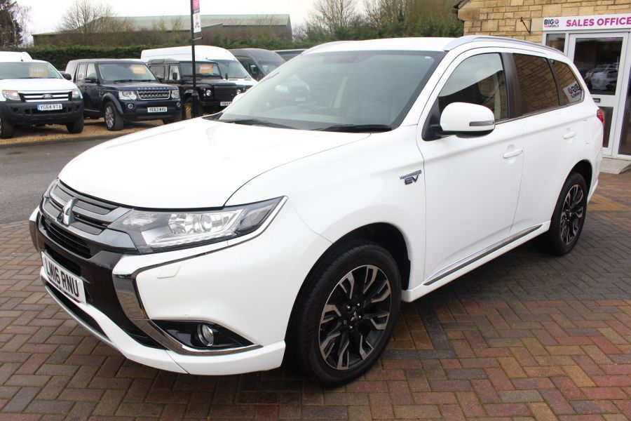 MITSUBISHI OUTLANDER PHEV GX3H 4WORK COMMERCIAL - 9102 - 8
