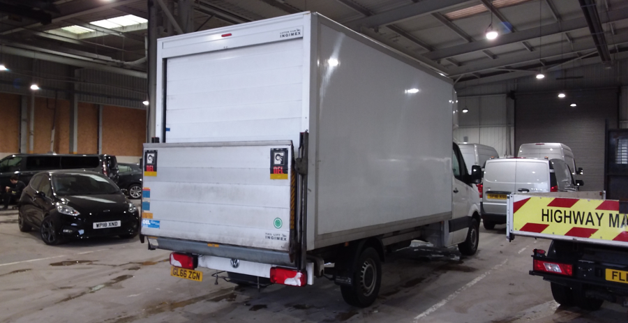VOLKSWAGEN CRAFTER CR35 TDI 136 STARTLINE LWB 'ONE STOP' LUTON WITH TAIL LIFT - 10847 - 4