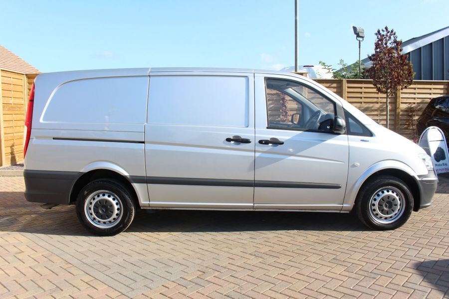 MERCEDES VITO 113 CDI BLUEEFFICIENCY LWB LOW ROOF - 5382 - 4