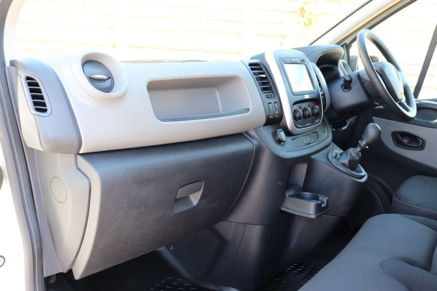 RENAULT TRAFIC LL29 DCI 115 BUSINESS LWB LOW ROOF - 9391 - 32