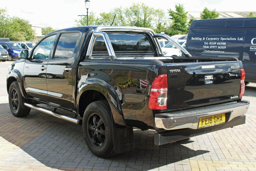 TOYOTA HI-LUX INVINCIBLE X 4X4 D-4D 171 DOUBLE CAB WITH ROLL'N'LOCK TOP - 9257 - 7