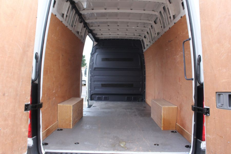 VOLKSWAGEN CRAFTER CR35 TDI 136 LWB HIGH ROOF - 6890 - 12