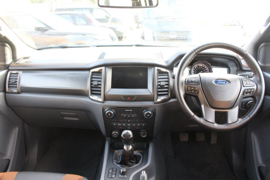 FORD RANGER WILDTRAK TDCI 200 4X4 DOUBLE CAB - 7023 - 15