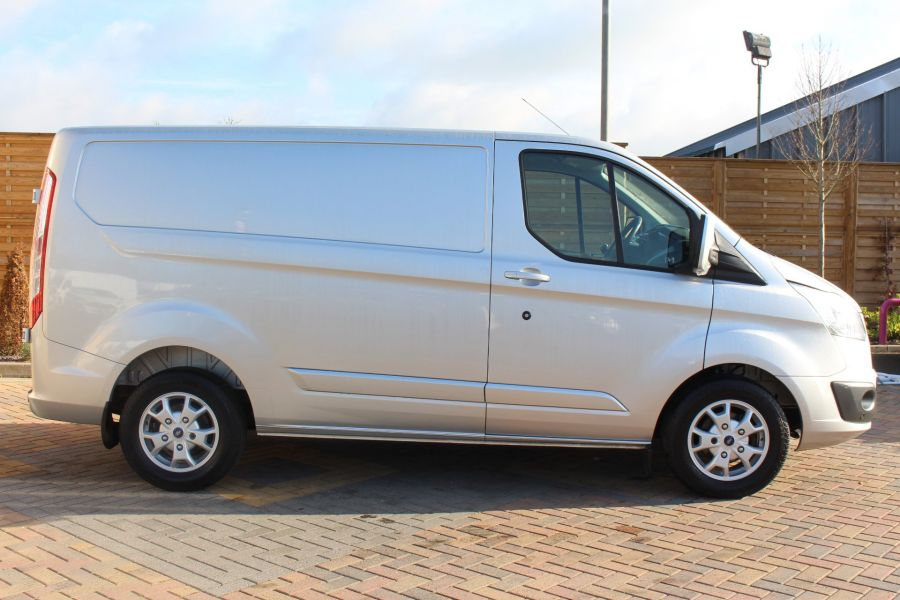 FORD TRANSIT CUSTOM 270 TDCI 125 L1 H1 LIMITED SWB LOW ROOF FWD - 7620 - 4