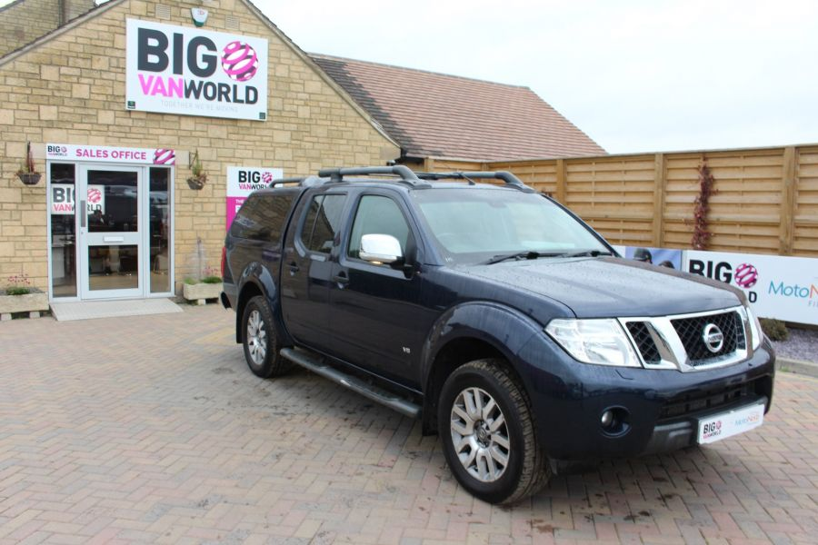 NISSAN NAVARA OUTLAW V6 DCI 231 4X4 DOUBLE CAB WITH TRUCKMAN TOP - 6769 - 2