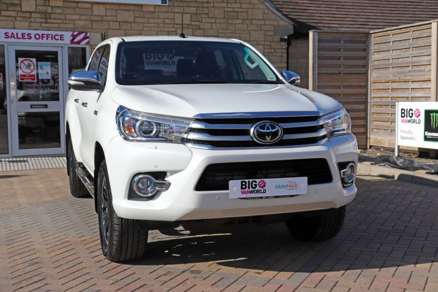 TOYOTA HI-LUX D-4D 150 INVINCIBLE X 4WD DOUBLE CAB WITH ROLL'N'LOCK TOP - 12270 - 6