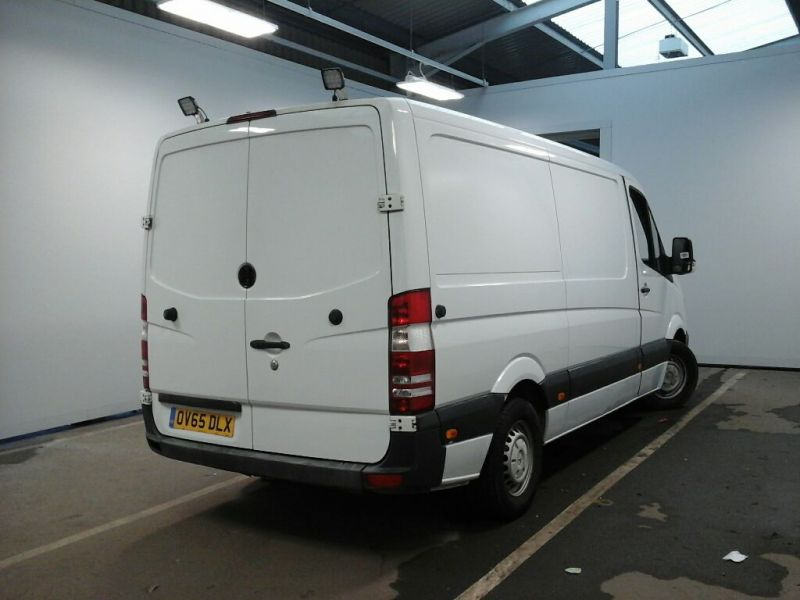MERCEDES SPRINTER 313 CDI 129 MWB LOW ROOF - 10682 - 3
