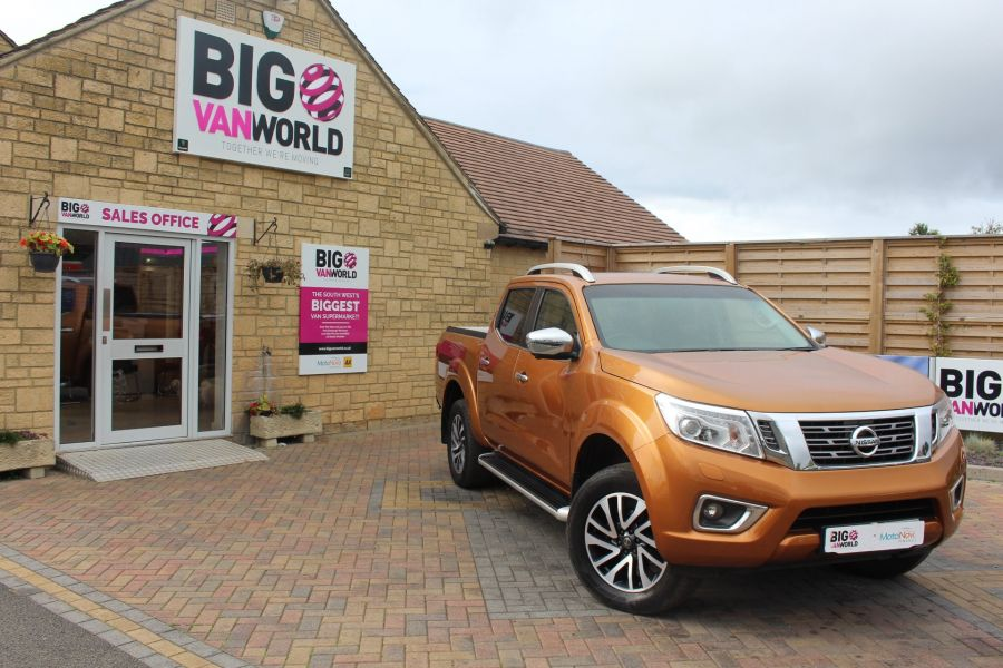 NISSAN NP300 NAVARA DCI 190 TEKNA 4X4 DOUBLE CAB WITH ROLL'N'LOCK TOP - 8313 - 2