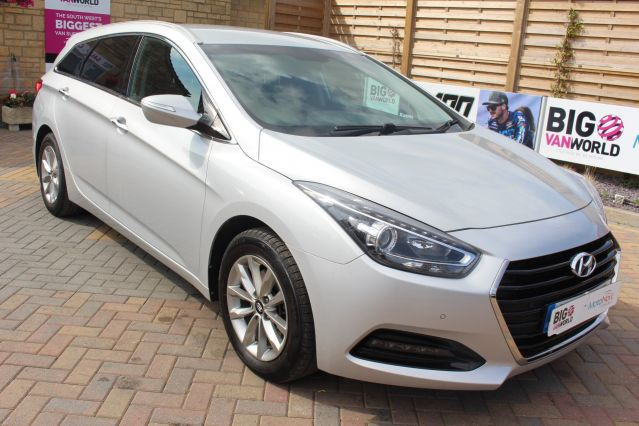 Used HYUNDAI I40 in Used Cars Swindon for sale