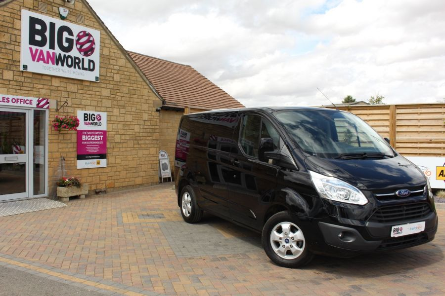 FORD TRANSIT CUSTOM 290 TDCI 125 L1 H1 LIMITED SWB LOW ROOF - 8045 - 2