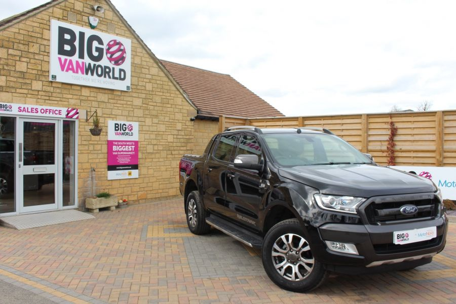FORD RANGER WILDTRAK TDCI 197 4X4 DOUBLE CAB WITH ROLL'N'LOCK TOP - 7635 - 2