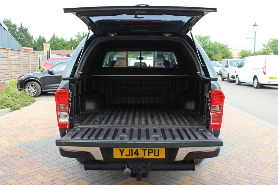 ISUZU D-MAX TD 163 YUKON VISION DOUBLE CAB WITH TRUCKMAN TOP - 9450 - 38