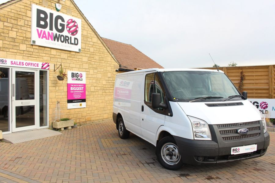 FORD TRANSIT 300 TDCI 100 SWB LOW ROOF FWD - 6546 - 1