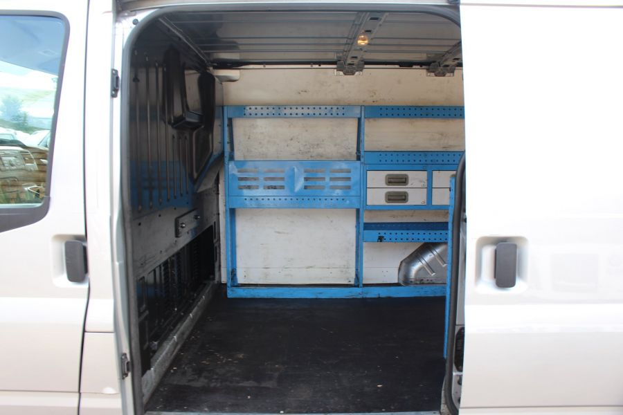 FORD TRANSIT 300 TDCI 100 SWB LOW ROOF FWD - 6733 - 18