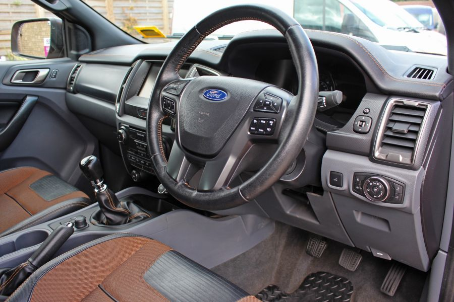 FORD RANGER WILDTRAK TDCI 200 4X4 DOUBLE CAB - 9461 - 18