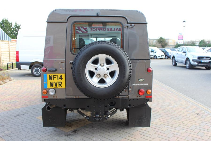 LAND ROVER DEFENDER 110 TD XS UTILITY WAGON 5 SEAT DOUBLE CAB - 8382 - 6